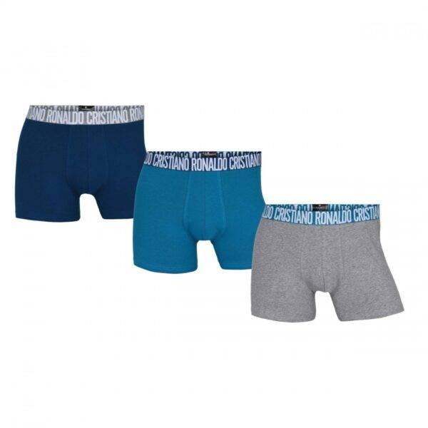 Ο διεθνούς φήμης Πορτογάλος super star CRISTIANO RONALDO μας παρουσιάζει την επιτυχημένη σειρά εσωρούχων CR7 Underwear ! Μοναδικό boxer με υψηλής ποιότητας φίνο οργανικό βαμβάκι σε μια υπέροχη έκδοση με 3 διαφορετικούς συνδυασμούς χρωμάτων ! Εξωτερικό φαρδύ λάστιχο με το λογότυπο Cristiano Ronaldo που αγκαλιάζει ιδανικά το σώμα και κολακεύει την αντρική σιλουέτα ! Η Special Fashion συλλογή του Cristiano έρχεται κοντά σας σε οικονομική συσκευασία 3 τεμαχίων και γίνεται ακόμη πιο ελκυστική για άνδρες που θέλουν να ξεχωρίζουν ! Σύνθεση:95%Organic Cotton-5%Elastane